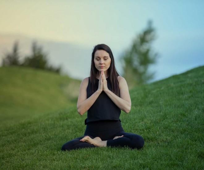 Foto meditierende Frau