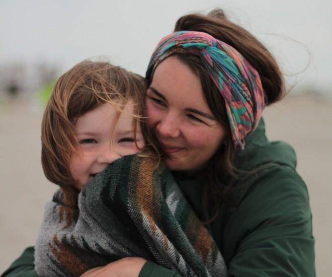 Foto Mutter mit Kind Herbstlich Photocase 3600614